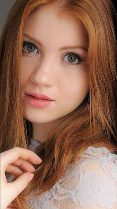 Hair natural ginger redhead girl for 2019 Beautiful Red Hair, Beautiful Eyes, Beautiful Women, Red Hair Woman, Actrices Sexy, Girls With Red Hair, Gorgeous Redhead, Redhead Girl, Natural Hair Inspiration