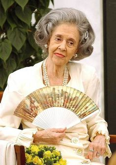 Queen Fabiola of the Belgians - obituary - Telegraph (it's FASCINATING AND AWESOME AND SAD.)