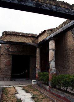 Herculaneum - Casa dell'Atrio Corinzio  #ercolano #herculaneum #ruins…