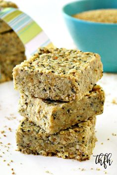 Eating No-Bake Raw Hemp and Chia Seed Bars Clean Eating Hemp and Chia Seed Bars.vegan, gluten-free, dairy-free and contains no refined sugar Vegan Sweets, Vegan Desserts, Healthy Desserts, Raw Food Recipes, Dessert Recipes, Cooking Recipes, Hemp Seed Recipes, Vegan Gluten Free, Dairy Free