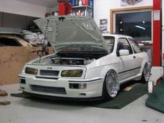 the best Sierra i've ever seen Ford Rs, Ford Shelby, Car Ford, Ford Sierra, Ford Motor Company, Ford Motorsport, Ford Lincoln Mercury, Old School Cars, Ford Capri