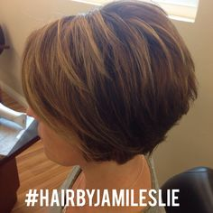 Stacked bob, medium beige base & golden blonde highlights. The perfect California summer hair! Hair by Jami Leslie, Tiger Tail Salon- Carlsbad CA #hairbyjamileslie #shorthair #highlights
