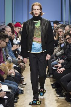 J.W.Anderson Fall 2017 Menswear Collection Photos - Vogue