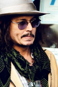 Johnny Depp best actor ever! Johnny Depp, Here's Johnny, Marlon Brando, Beautiful Men, Beautiful People, Hollywood, Penelope Cruz, Good Looking Men, My Guy