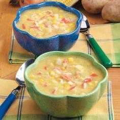 Creamy Corn Crab Soup Recipe -This creamy soup is fast, easy and very tasty. Corn really stars in this delectable recipe, and crabmeat makes it a little more special. It will get high marks from both busy cooks and lovers of flavorful homemade food. Crab And Corn Soup, Crab Soup, Crab Chowder, Crab Recipes, Soup Recipes, Cooking Recipes, Healthy Recipes, Creamy Corn, Soup And Sandwich
