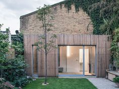 Stories about London house extensions, including kitchens, lofts, and home-improvement projects shortlisted for the Don't Move, Improve! Cout Extension Maison, House Extension Design, House Design, Residential Architecture, Architecture Design, Dezeen Architecture, Architecture Renovation, Architects Journal, Rear Extension