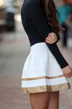 More holiday outfit ideas ***** Gold trim skirt and black long sleeved shirt. Such a cute outfit. Look Fashion, Fashion Beauty, Autumn Fashion, Womens Fashion, Trendy Fashion, Trendy Clothing, Fashion Styles, Street Fashion, Fashion News