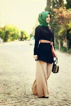 25 Beautiful Hijab Looks To Try Hijab Outfit, Hijab Wear, Hijab Look, Hijab Dress, Modest Pants, Modest Wear, Modest Outfits, Modest Fashion, Hijab Fashion