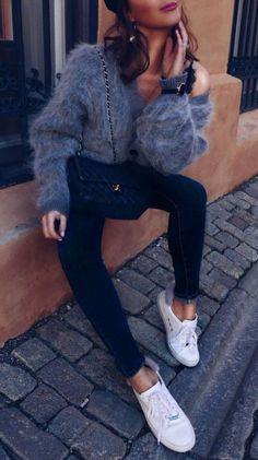 Trendy Fall Outfit Sweater Plus Bag Plus Black Skinnies Plus Sneakers