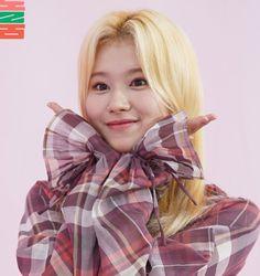 Blackpink Twice, Twice Sana, Kpop Girl Groups, Korean Girl Groups, S Girls, Kpop Girls, Sana Cute, Sana Momo, Sana Minatozaki