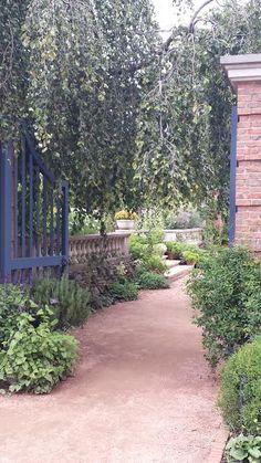 Chicago Botanic Garden - English walled garden