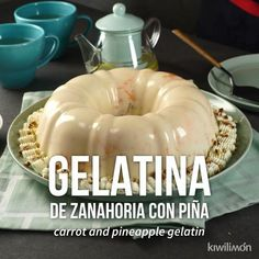 Una rica y cremosa gelatina de zanahoria y piña en almíbar que no puedes dejar pasar. Además tiene un toque crujiente de los trocitos de nuez que lleva. Mango Dessert Recipes, Gelatin Recipes, Jello Desserts, Jello Recipes, Mexican Food Recipes, Sweet Recipes, Baking Recipes, Delicious Desserts, Yummy Food