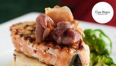 Propozycja Cosa Nostra na dziś to stek z łososia z ziemniaczanym puree. Z lampką białego wina tworzy idealny duet. Przy takiej kolacji piątek trzynastego nie może być pechowy:)