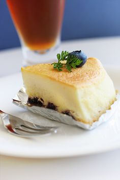 Souffle fromage - cheesecake souffle with fresh blueberries