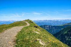 Wanderungen, die du einfach mit den öffentlichen Verkehrsmitteln erreichst - watson British Columbia, Bad Ragaz, Entlebucher, Der Bus, Mountains, Nature, Travel, Ruins, Naturaleza