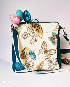 9 отметок «Нравится», 0 комментариев — АТЕЛЬЕ ТЕКСТИЛЬНЫХ ИЗДЕЛИЙ (@caterpillar.textile) в Instagram: «Новинка! Сумка-рюкзак из Водоотталкивающей ткани в бирюзовом цвете.  Ткань дак, водоотталкивающая…» Drawstring Backpack, Diaper Bag, Backpacks, Bags, Handbags, Drawstring Backpack Tutorial, Diaper Bags, Women's Backpack, Totes