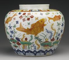 Side view of a section of a rare wucai 'fish' jar, Emperor Jiajing mark and period, Ming Dynasty. Japanese Porcelain, Fine Porcelain, China Art, Chinese Ceramics, Ginger Jars, Fish Art, Ceramic Vase, Chinoiserie, Japanese Art