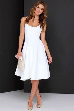 Vestido de noiva curto tecido liso Shoes With White Dress, White Casual Dresses, Casual Midi Dress, White Dress Outfit, Classy White Dress, Beautiful White Dresses, Fitted Midi Dress, White Dress Summer, Fitted Bodice