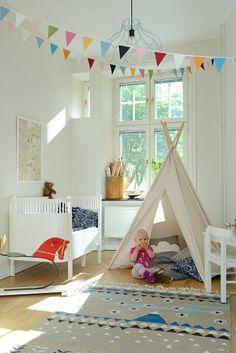 Helle Kinderzimmer in skandinavischen Stilen - Home Dekoration ideas Baby Bedroom, Girls Bedroom, Bedroom Decor, Scandinavian Kids Rooms, Kids Room Design, Kids Decor, Home Decor, Kid Spaces, Girl Room