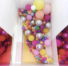 XXL Pastel Macaron Balloons - Baby Shower Balloons Party Decorations - Roll It Baby Balloon Wall, Balloon Arch, Balloon Garland, Balloon Clusters, Balloon Decorations Party, Birthday Decorations, Deco Ballon, Balloons And More, Balloon Installation