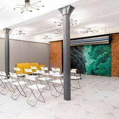 Book this beautiful space for your next meeting or brain storming sessions! #nyceventspace #privateeventspace #eventspacerental #nyceventplanners #EventPlanning #EventPlanningny #nyclocationscout #nycvenues #locationscout #locationscouting #spaceinmotion #events #design #eventspace #photooftheday #eventdesign #decor #scout #locations #manhattan #nyc #newyork