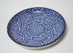 Plate with Abstract Arabesque Leaf Pattern, 18th century. Ceramic, slip, glaze, 3 7/8 x 15 3/16 in. (9.8 x 38.5 cm). Brooklyn Museum, Anonymous gift in honor of Charles K. Wilkinson, 74.2. Creative Commons-BY (Photo: Brooklyn Museum, CUR.74.2_view1.jpg)