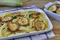 pasta con la zucchina fritta | ricetta la cucina di rosalba