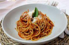 Receta para hacer Espaguetis con Salsa de Pimientos Rojos Nueva Receta de Julia y sus Recetas. Conocemos como pasta una serie de alimentos elaborados con u