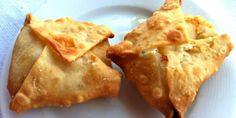 Γκιουζλεμέδες τηγανητά τυροπιτάκια απ' τη Λέσβο!!!! Greek Pastries, Filo Pastry, Good Food, Yummy Food, Cheese Pies, Greek Cooking, Greek Recipes, Different Recipes, Food To Make