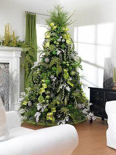 Cristhmas Tree Decorations Ideas : Shades of Green Christmas Tree. Elegant Christmas Trees, Blue Christmas Decor, Christmas Interiors, Christmas Tree Design, Christmas Tree Themes, Christmas Centerpieces, Christmas Colors, Christmas Diy, Holiday Decorations