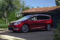 Take a First Look at the all new 2017 Chrysler Pacifica https://www.yahoo.com/autos/2017-chrysler-pacifica-first-look-152646437.html