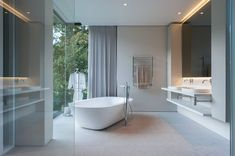 Bathroom with a view to die for Photo 3 of Lords House modern home