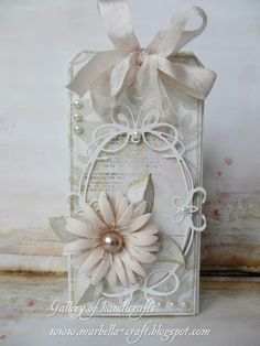 Beautiful vintage chic tag - tiffany frame single big flower, pearl - ribbon bow,