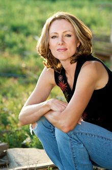 Linda Castillo, one of my favorite authors