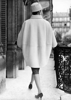Balloon coat, Hubert de Givenchy, 1958.