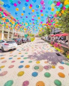 Balonstraße in Portugal. - - Balonstraße in Portugal. Profil Balonstraße in Portugal. Best Places In Portugal, Sky Art, Landscape Pictures, Make It Through, Resorts, Street Art, Beautiful Places, Balloons, Scenery