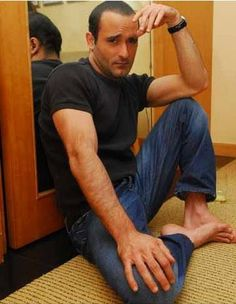 Image result for akshaye khanna barefoot