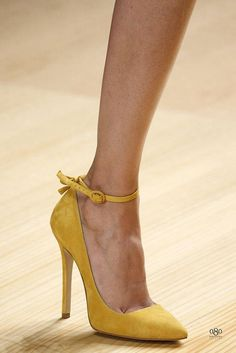 yellow//ankle strap