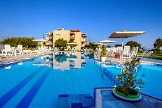 Matzi Hotel Apartments || Just 40 metres from Gerani Beach in Crete, the family-run Matzi offers a pool and self-catered rooms with views to the Cretan Sea and gardens. Gerani's centre is at 400 metres.