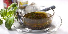Italialaistyyppinen marinadi lihalle. Katso koko resepti osoitteesta: http://www.kokkaamo.fi/marinointivinkit/?ruokaohje=10227