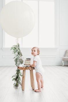 Boys First Birthday Party Ideas, One Year Birthday, 1st Birthday Cake Smash, First Birthday Pictures, Baby Boy First Birthday, Simple First Birthday, Birthday Boys, Birthday Cakes, Birthday Gifts