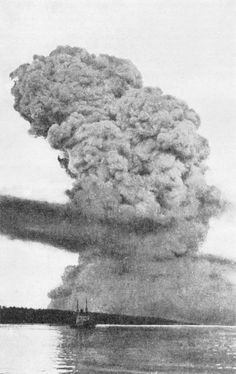 The explosion when a cargo ship carrying high explosives collided with another ship outside of Halifax 1917 [800x1270]