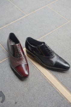 The Moreschi Digione in black or burgundy. A refined Italian-made Oxford shoe, crafted from a blend of buffed calfskin and peccary leather. New Shoes, Men's Shoes, Dress Shoes, Shoe Horn, Shoe Tree, Italian Shoes, Types Of Shoes, Shop Now, Oxford Shoes