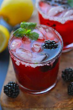 Blackberry Mint Lemonade - would've great with vodka! Refreshing Drinks, Summer Drinks, Fun Drinks, Healthy Drinks, Beverages, Summertime Drinks, Party Drinks, Summer Desserts, Cold Drinks