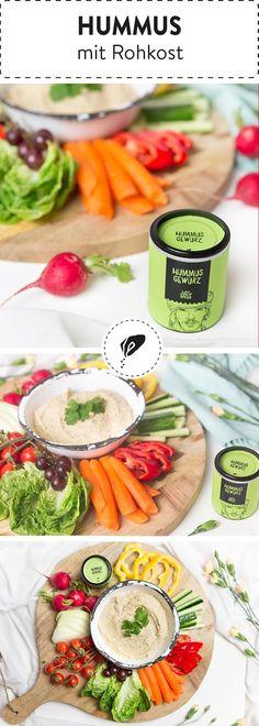 Wir lieben Hummus! Du auch? Dann probiere doch mal unser klassisches Hummus Rezept mit leckerer Rohkostplatte!