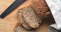Grovbrød - fra 6 måneder. Hjemmebakt brød er enklere enn du tror. Når du baker brødet selv kan du enkelt velge hva du ønsker å ha i brødet, du kan pimpe det med ekstra frø og korn, og du kan langtidsheve. Noe som gjør at vitaminene og mineralene som finnes naturlig i korn og frø blir enklere for kroppen å ta opp. Korn, Banana Bread, Desserts, Tailgate Desserts, Deserts, Postres, Dessert, Plated Desserts