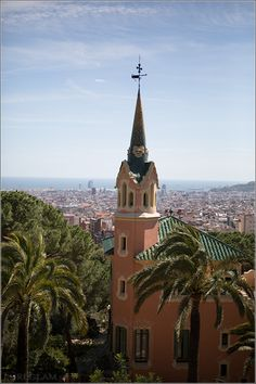antoni gaudi, green garden, parks, gardens, park güell, barcelona spain