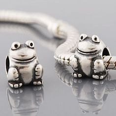 .925 Authentic Sterling Silver like Pandora Bead Frog Charm.... Love the frog!
