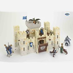 Let boys age 6 be imaginative with our Papo Wooden Knights Castle! This castle makes a great gift for birthdays.