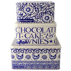 """Blue Hen Border"" Blue Hen & Border Set of 3 Square Cake tins at Emma Bridgewater - love this new design from EB Blue And White China, Love Blue, Emma Bridgewater Pottery, Indigo, Great British Bake Off, Square Cakes, Pip Studio, Cake Tins, Shades Of Blue"